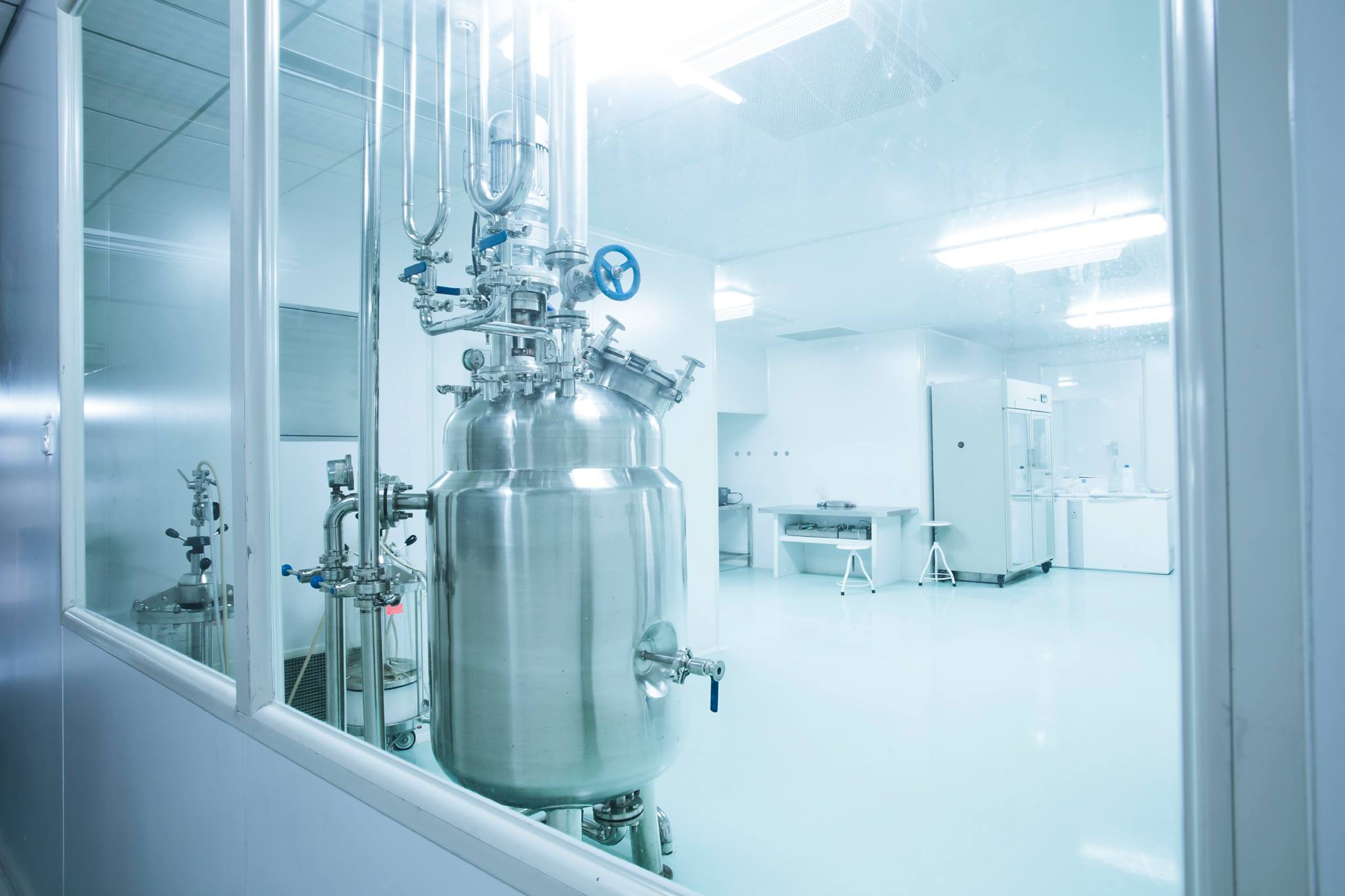 Bespoke custom stainless steel vessels and pharmaceutical process equipment