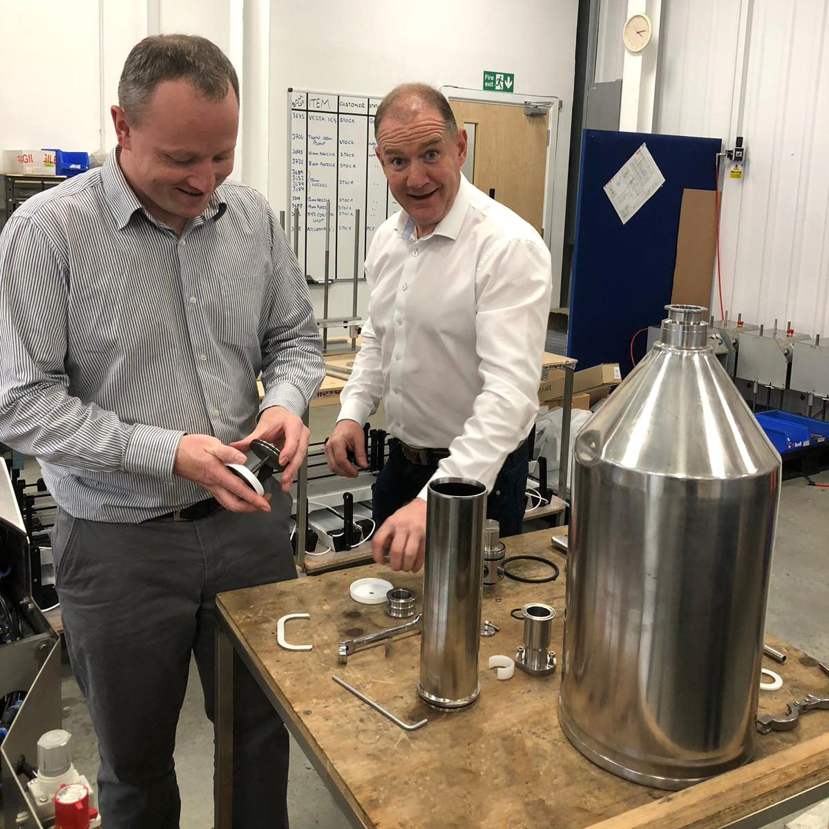 Learning our Response benchtop volumetric liquid filling machine inside and out