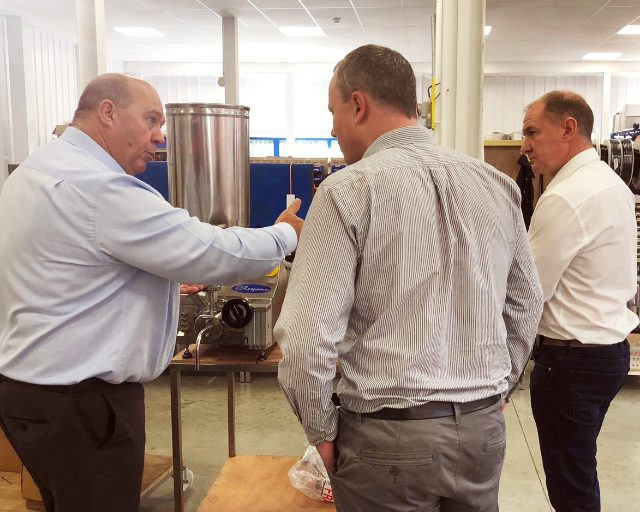 Agents learning about our Response benchtop volumetric liquid filling machine
